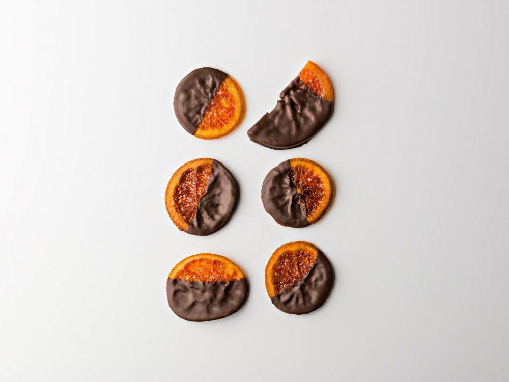 פלחי תפוז מסוכרים בעבודת יד